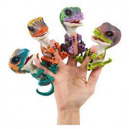 Fingerlings Dino Baby Velociraptor.
